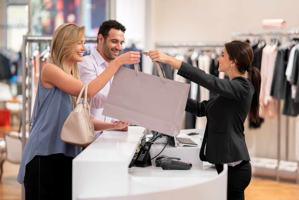 3 top qualities of a great sales associate, retailers getting it right